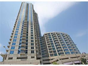 Single Family for Active at 400 W Peachtree Street Atlanta, Georgia 30308 United States