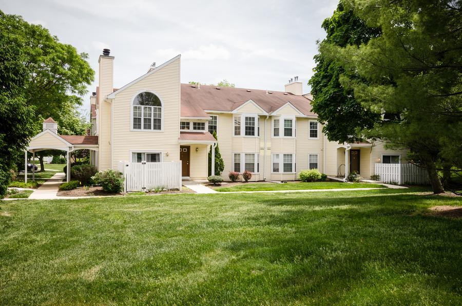 Single Family for Sale at 10 Powell Court Hightstown, NJ Hightstown, New Jersey United States