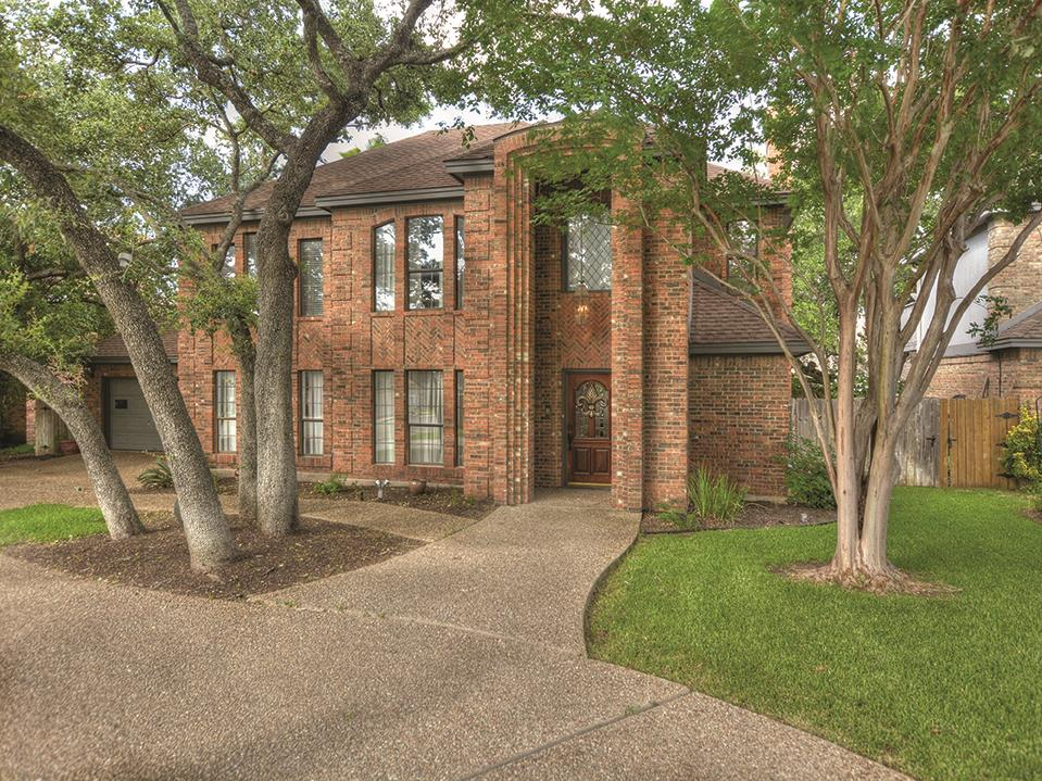 Additional photo for property listing at 7405 Jester Blvd  Austin, Texas 78750 United States