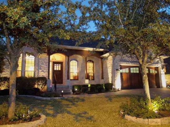 Additional photo for property listing at 10240 Dianella Lane  Austin, Texas 78759 Estados Unidos