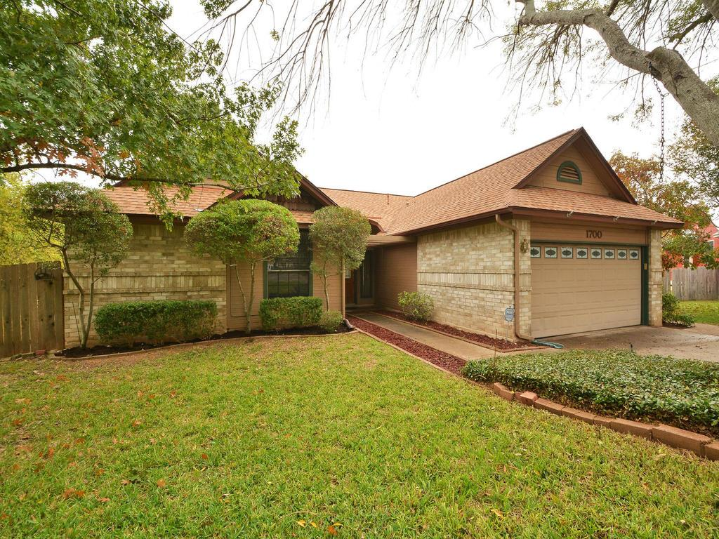 Additional photo for property listing at 1700 Prairie Hen Cove  Austin, Texas 78758 Estados Unidos