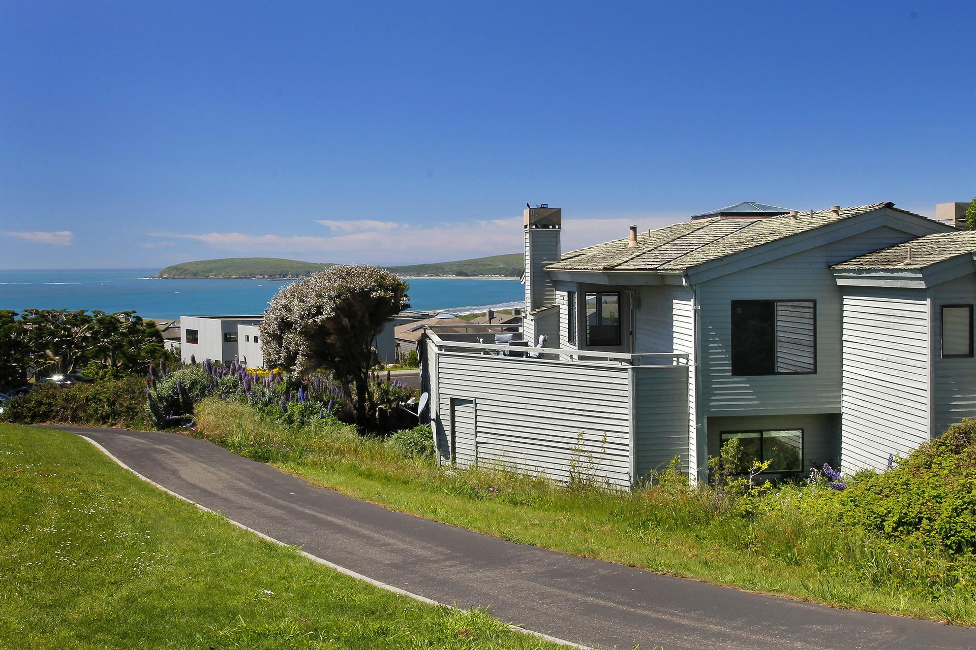 Additional photo for property listing at 220 Surfbird Court  Bodega Bay, Californie 94923 États-Unis