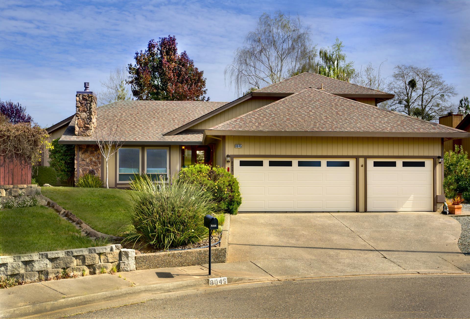 Unique la famille pour l Vente à 8045 Brian Court Sebastopol, Californie 95472 États-Unis