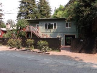 Один семья для того Продажа на 10805 River Drive 10805 River Drive Forestville, Калифорния 95436 Соединенные Штаты