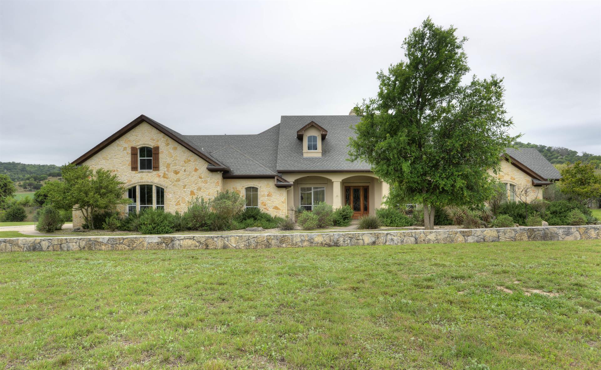 Residencial por un Venta en 502 Highway 87 502 Highway 87 Comfort, Texas 78013 Estados Unidos