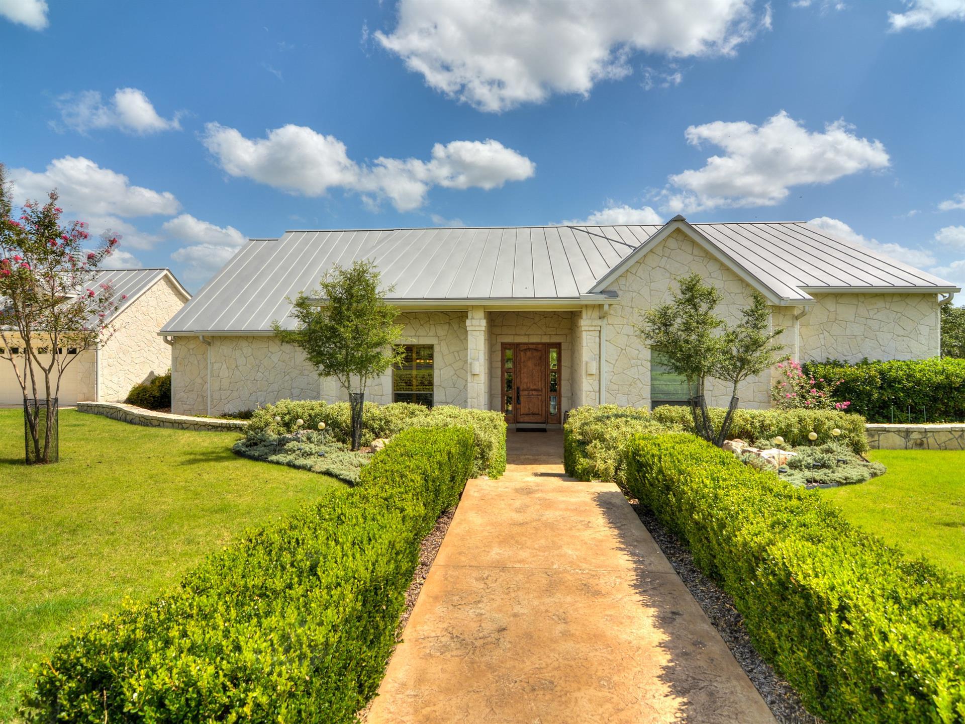 Residencial por un Venta en 979 Kendall Jackson 979 Kendall Jackson Comfort, Texas 78013 Estados Unidos