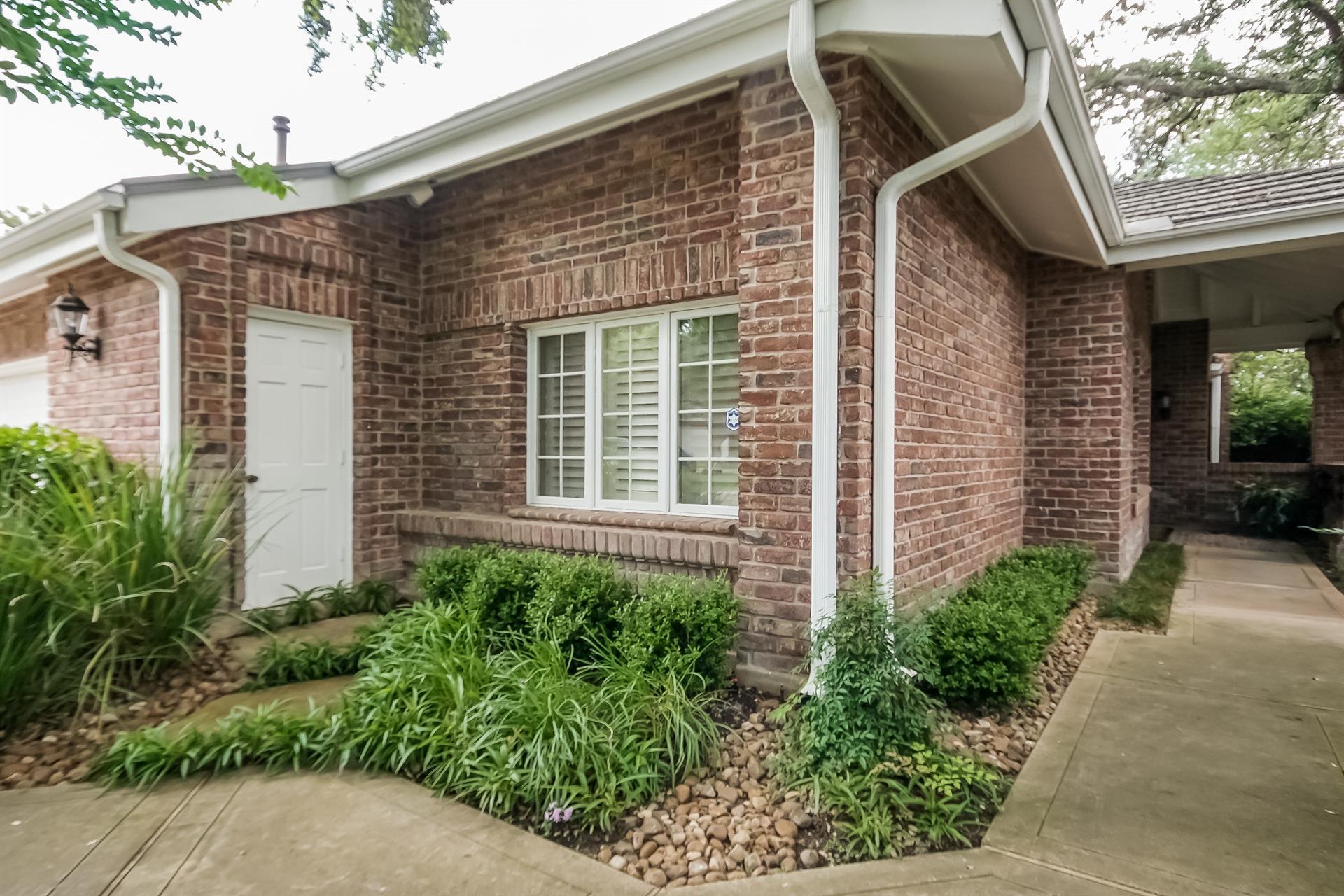 Residencial por un Venta en 2 Villa Bonita 2 Villa Bonita San Antonio, Texas 78230 Estados Unidos