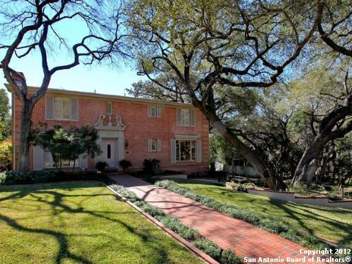 Additional photo for property listing at 306 E Summit Ave 306 E Summit Ave San Antonio, Texas 78212 Estados Unidos