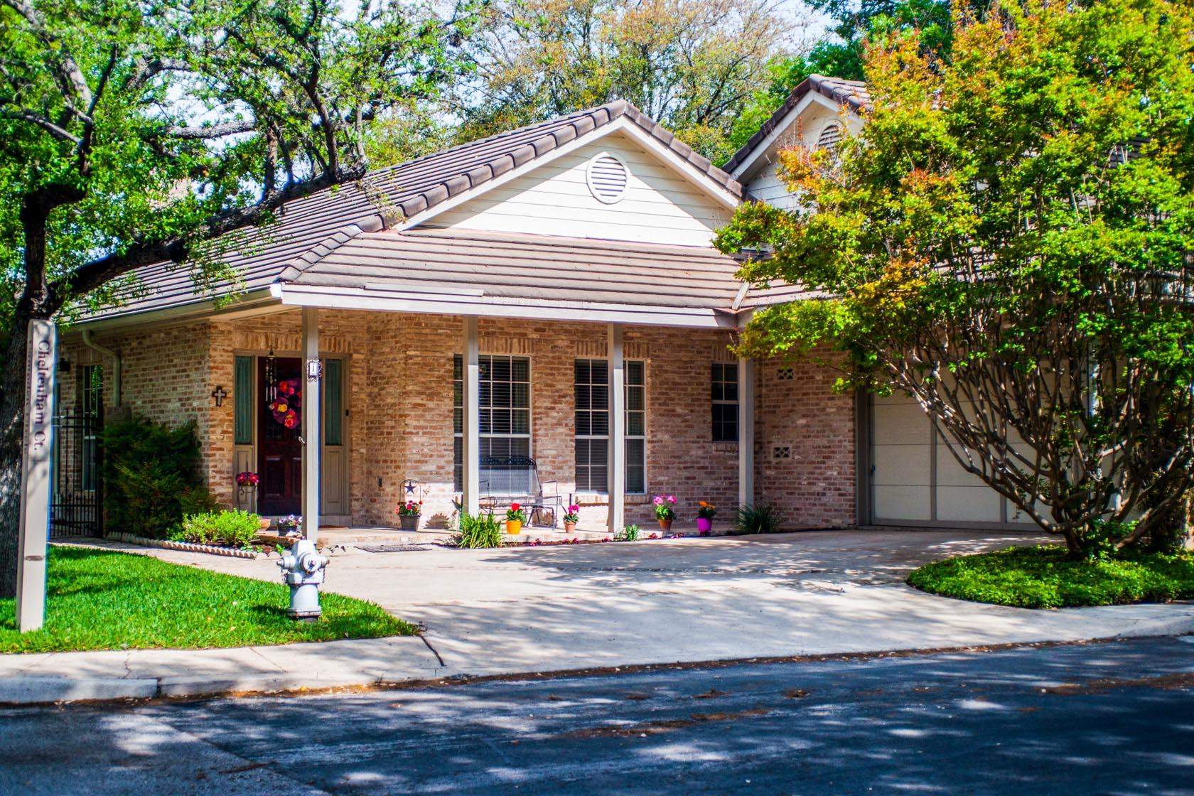 Additional photo for property listing at 1 Cheltenham Court 1 Cheltenham Court San Antonio, Texas 78218 United States