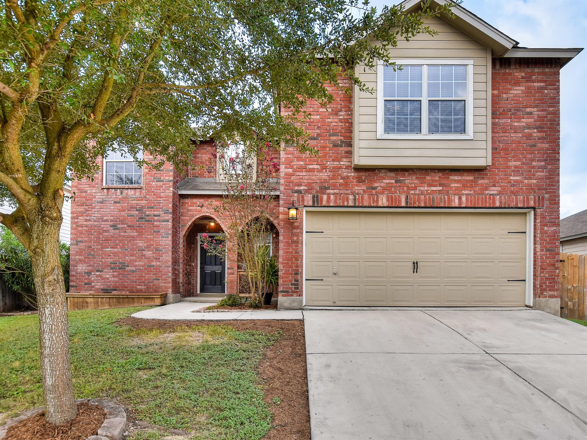 Additional photo for property listing at 8446 Dusty Ridge 8446 Dusty Ridge Converse, Texas 78109 Estados Unidos