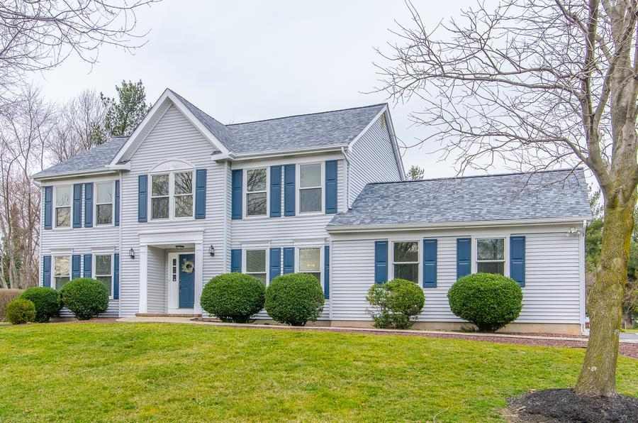Additional photo for property listing at 6 Stockton Drive Cranbury, NJ Otras Áreas, USA