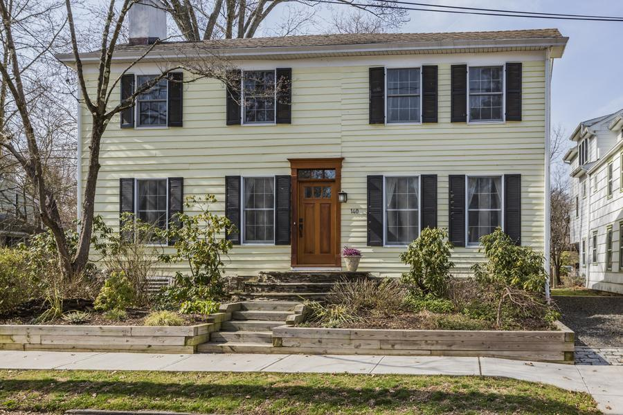 Additional photo for property listing at 140 South Main Street Pennington, NJ Другие Регионы, USA