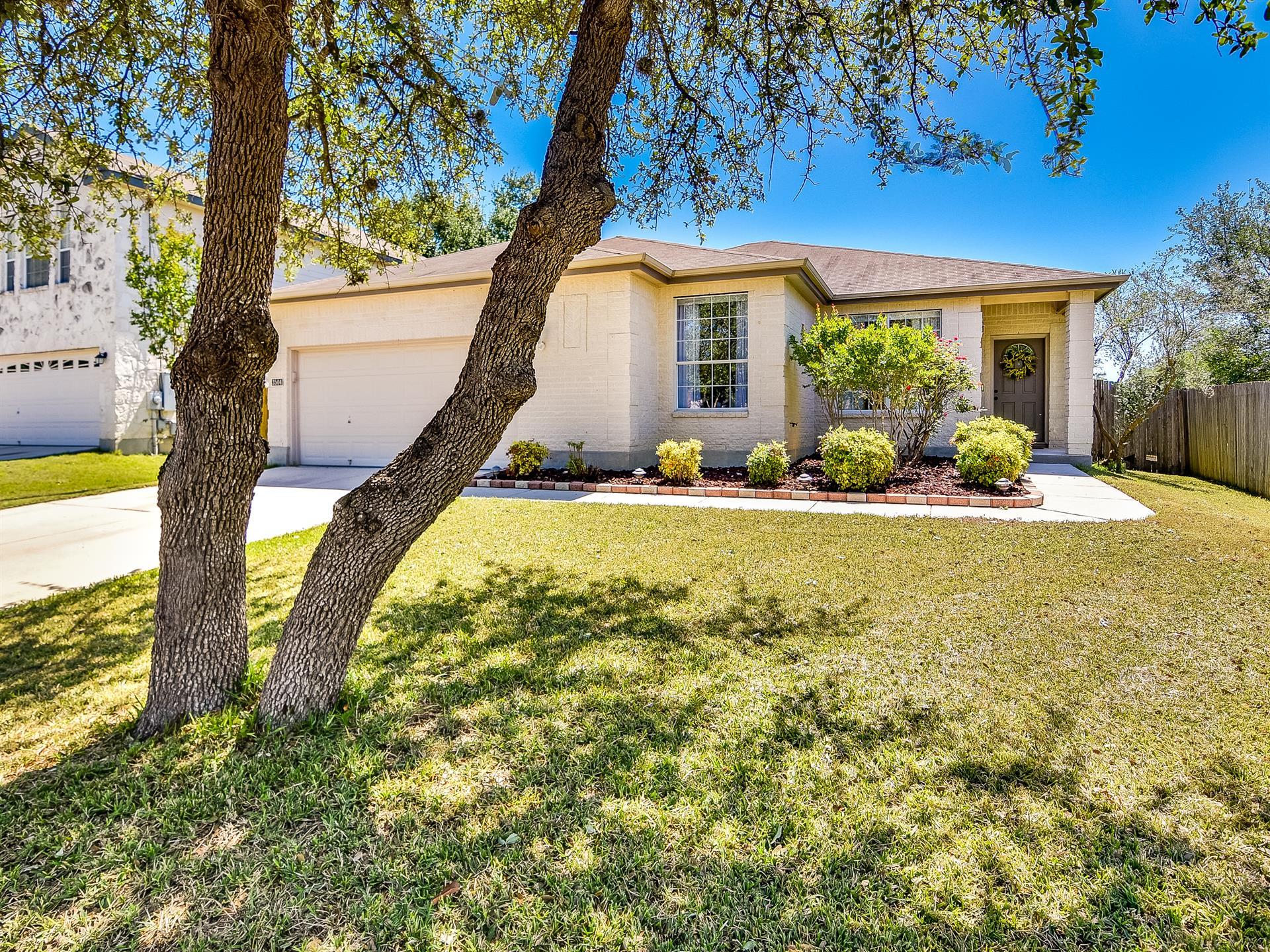 Residencial por un Venta en 3504 Dartmouth 3504 Dartmouth Schertz, Texas 78154 Estados Unidos
