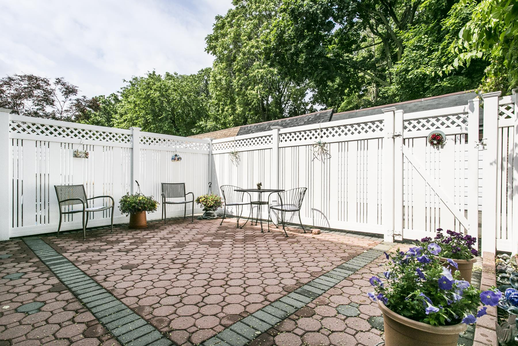 Additional photo for property listing at 67-54 SELFRIDGE STREET FOREST HILLS, NY  Forest Hills, New York 11375 United States