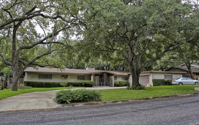 Residencial por un Venta en 1410 Grey Oak Drive 1410 Grey Oak Drive San Antonio, Texas 78213 Estados Unidos