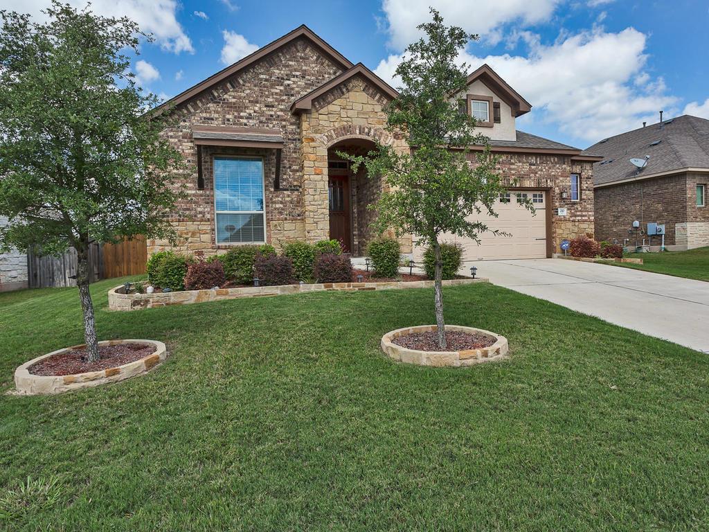 Residencial por un Venta en 210 Willow Walk 210 Willow Walk Austin, Texas 78737 Estados Unidos