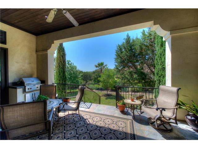 Additional photo for property listing at 212 Neville Wood Court 212 Neville Wood Court Austin, Texas 78738 Estados Unidos