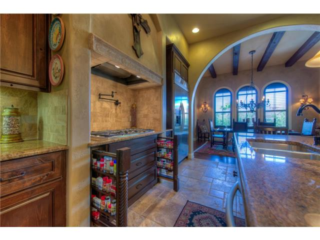 Additional photo for property listing at 212 Neville Wood Court  Austin, Texas 78738 Estados Unidos