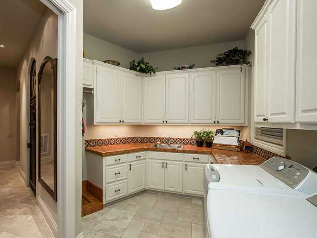 Additional photo for property listing at 552 Brandon Way  Austin, Texas 78733 Estados Unidos