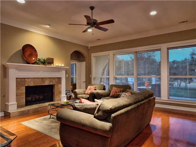 Additional photo for property listing at 2719 Regents Park  Austin, Texas 78746 Estados Unidos