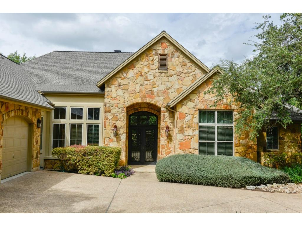 Single Family for Sale at 9213 Eddy Cv Austin, Texas 78735 United States