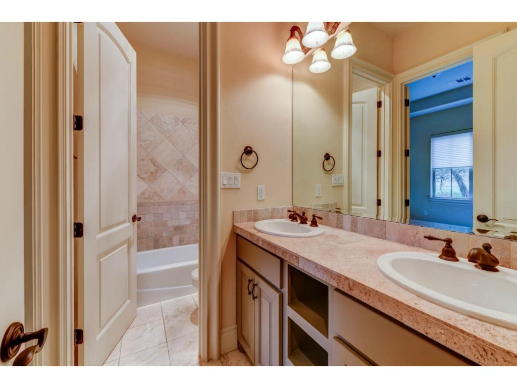 Additional photo for property listing at 9213 Eddy Cv  Austin, Texas 78735 United States