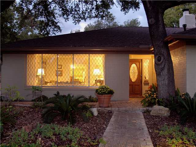 Additional photo for property listing at 3407 Northwood Circle 3407 Northwood Circle Austin, Texas 78703 Estados Unidos