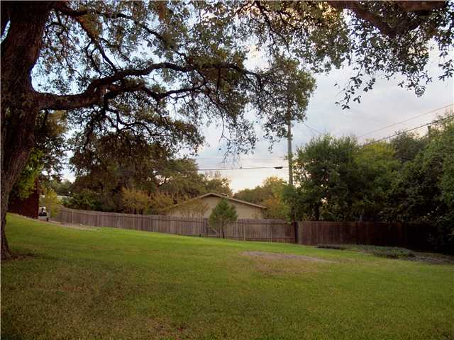 Additional photo for property listing at 3407 Northwood Circle  Austin, Texas 78703 Estados Unidos