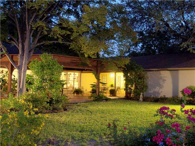 Additional photo for property listing at 3407 Northwood Circle  Austin, Texas 78703 United States