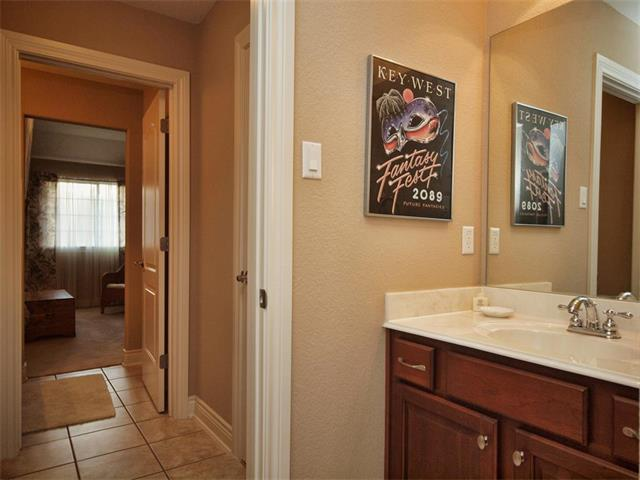 Additional photo for property listing at 107 Far Vela Lane  Austin, Texas 78734 United States