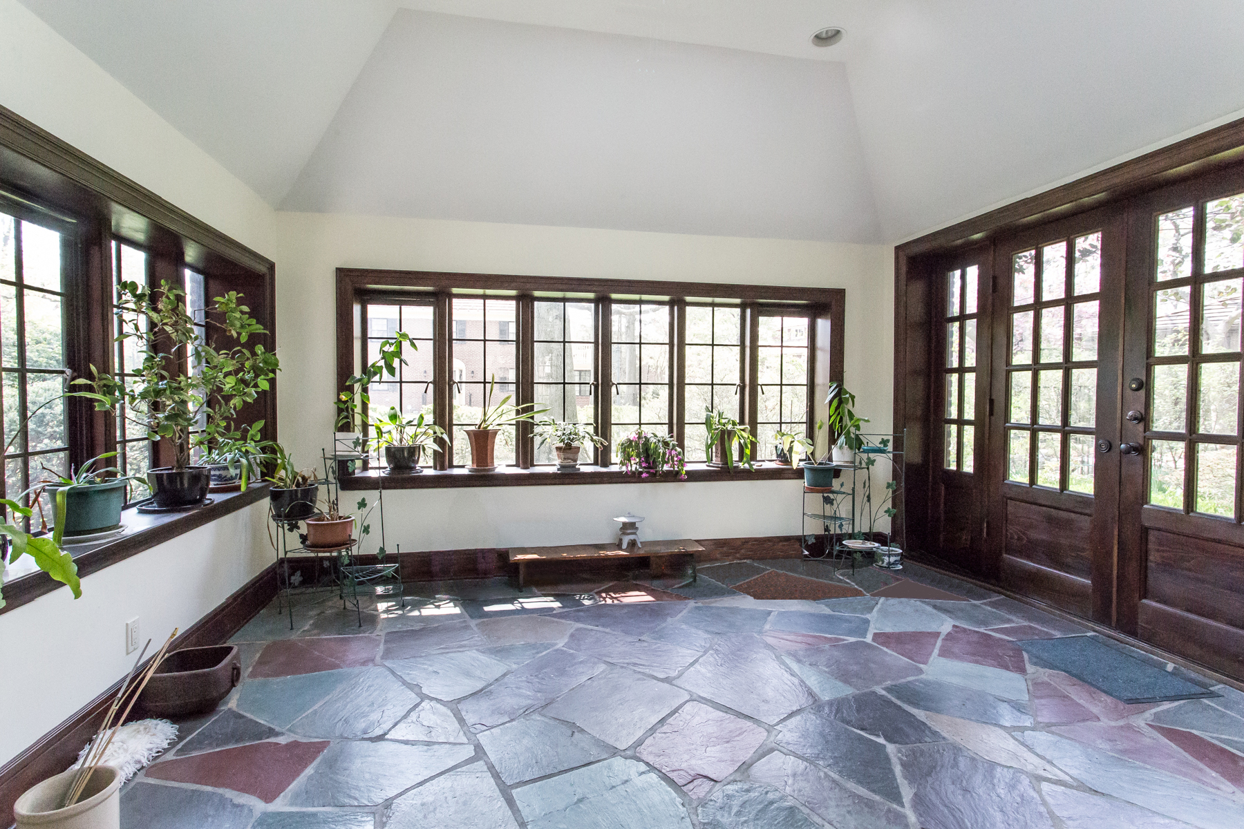 Additional photo for property listing at 60 DEEPDENE ROAD, FOREST HILLS GARDENS  Forest Hills, New York 11375 United States