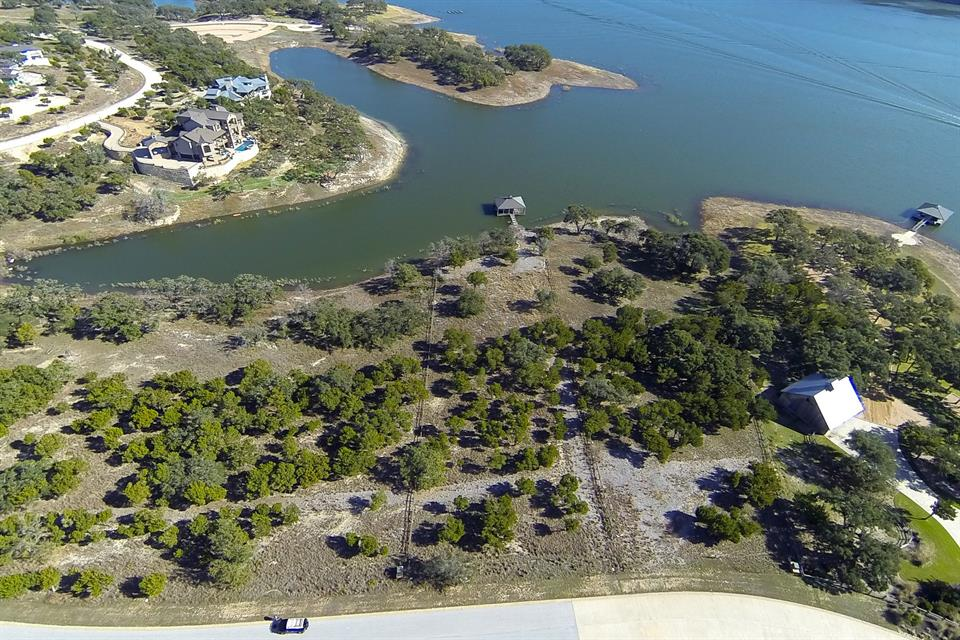토지 용 매매 에 Waterfront Lot in The Reserve At Lake Travis 1900 Valentino Cv Spicewood, 텍사스, 78669 미국