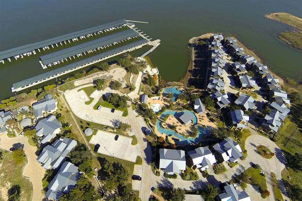 Additional photo for property listing at Waterfront Lot in The Reserve At Lake Travis 1900 Valentino Cv Spicewood, Texas 78669 Estados Unidos