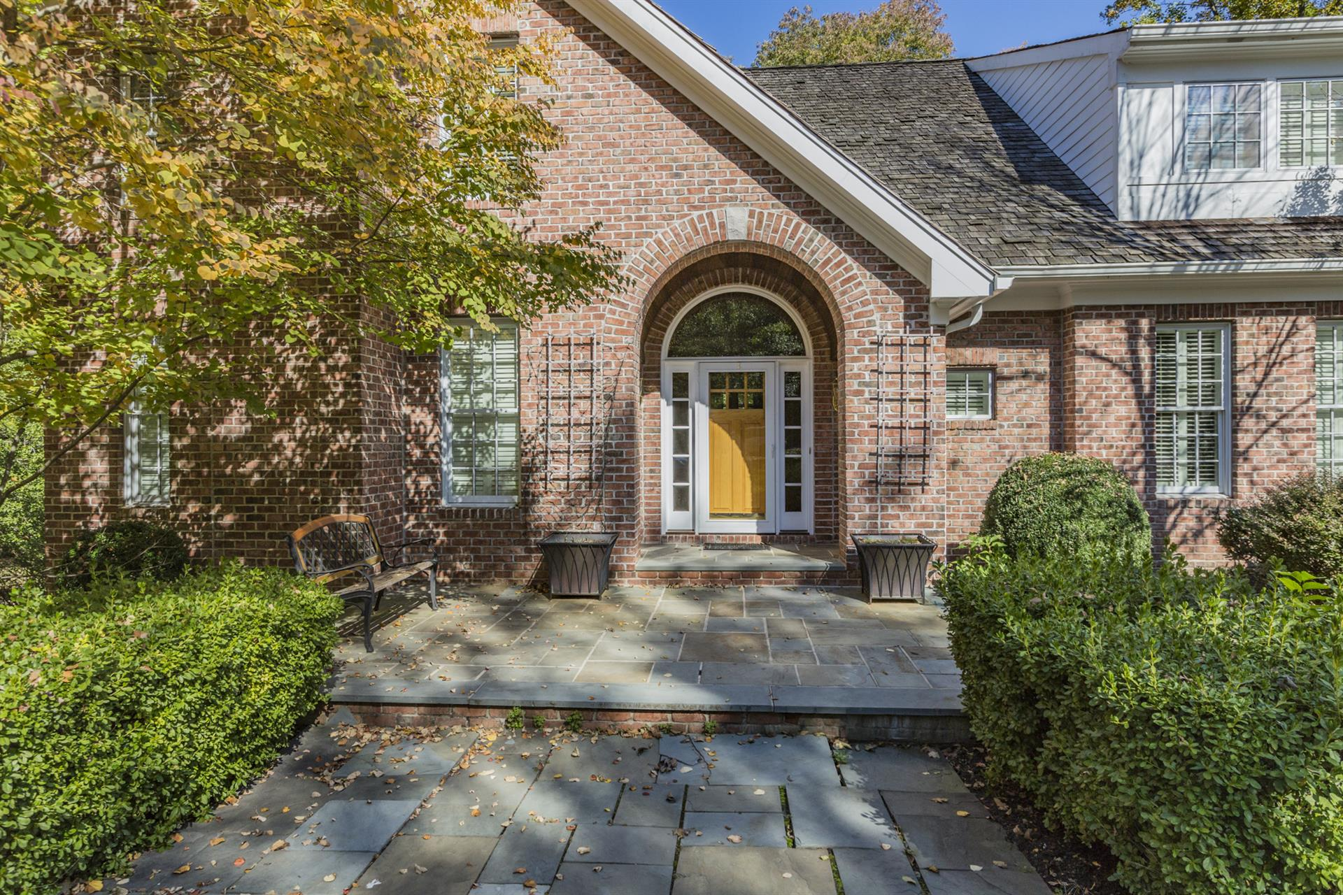 Additional photo for property listing at 287 Edgerstoune Road  Princeton, New Jersey United States