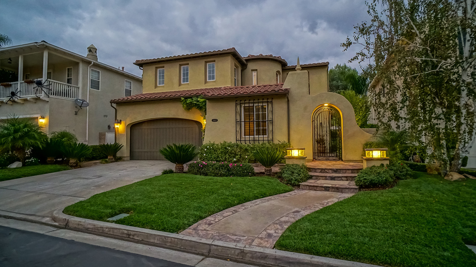 Single Family Home for Sale at 24607 GARLAND Drive 24607 GARLAND Drive Valencia, California,91355 United States