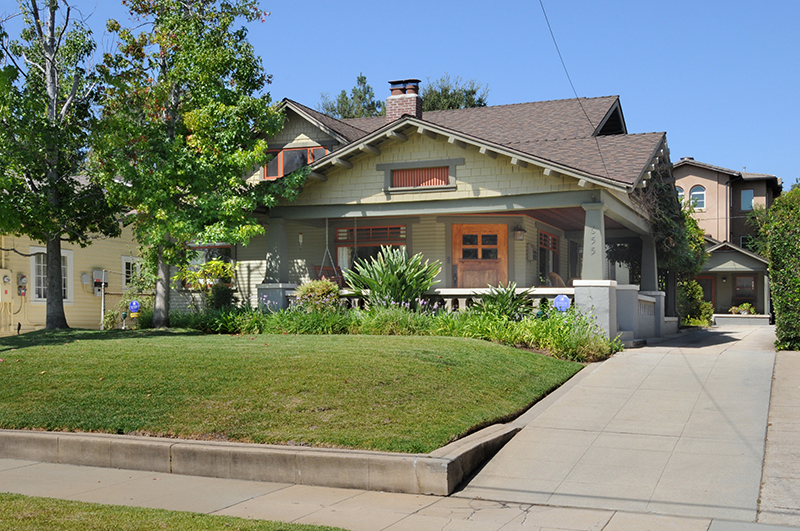 Vivienda unifamiliar por un Venta en 651 South MENTOR Avenue 651 South MENTOR Avenue Pasadena, California,91106 Estados Unidos