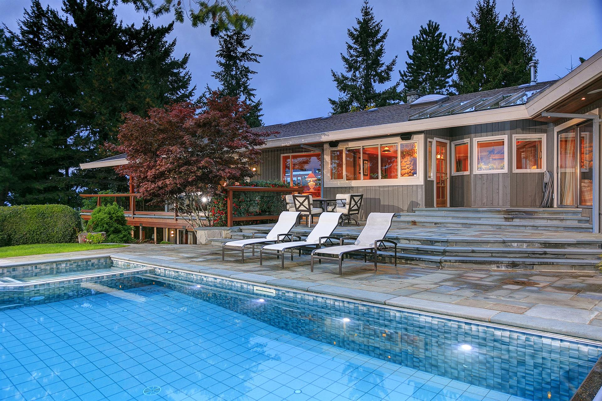 Additional photo for property listing at 279 Coal Point Ln North Saanich, Brits-Columbia,Canada