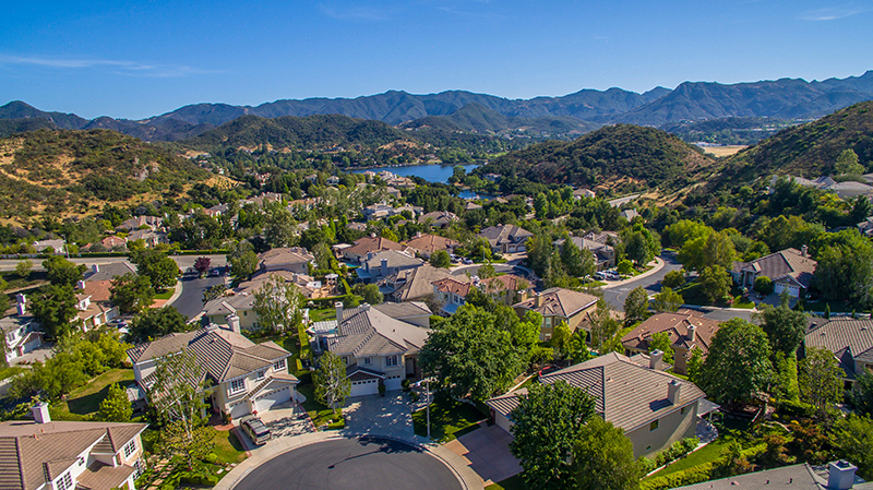 Single Family Home for Sale at 1613 OAKCOTTAGE Court 1613 OAKCOTTAGE Court Lake Sherwood, California,91361 United States