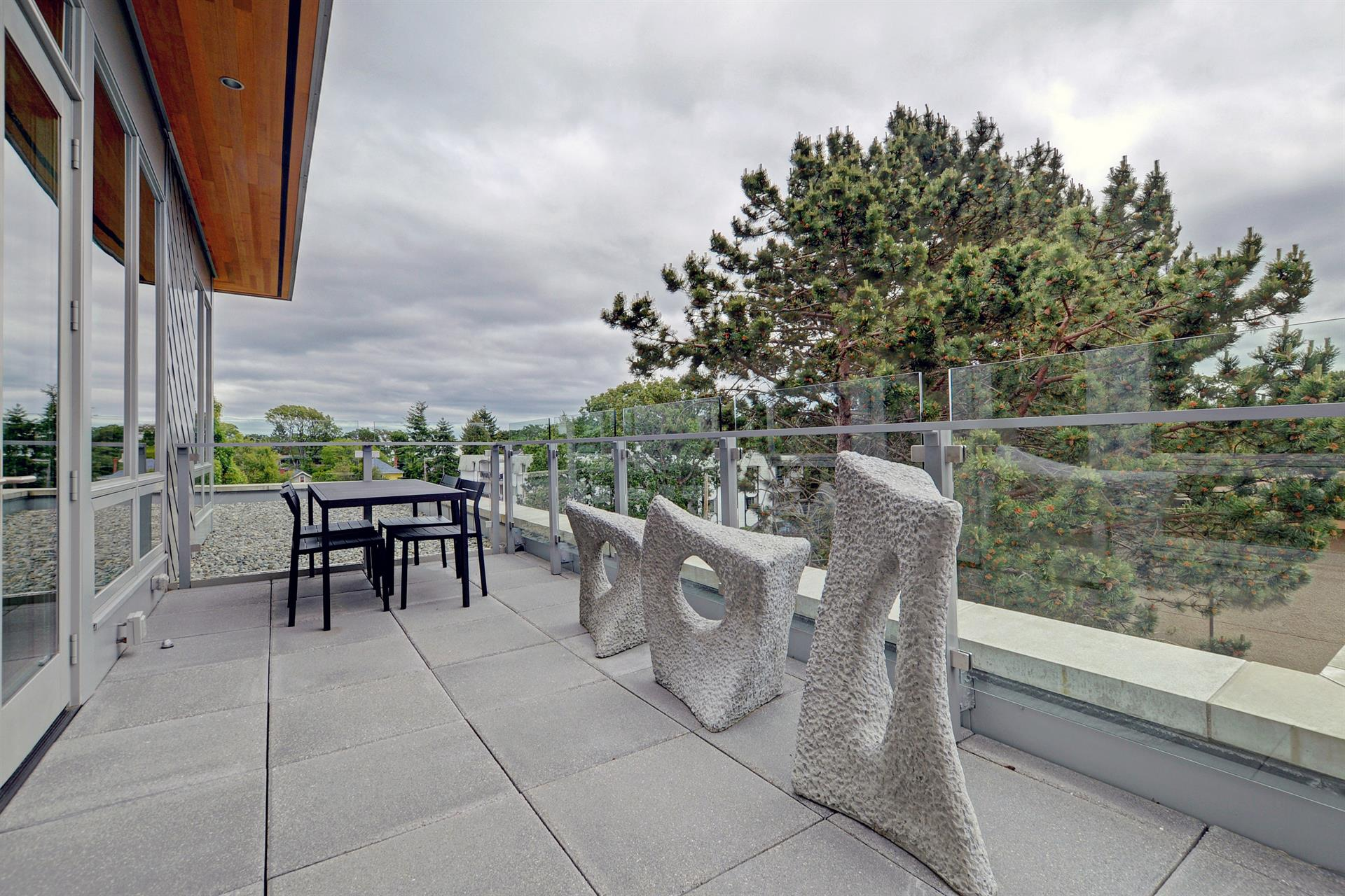 Additional photo for property listing at 404-1969 Oak Bay Ave Victoria, Columbia Britanica,Canadá