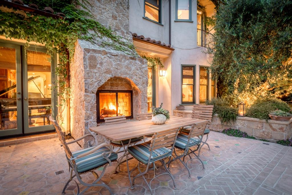 Additional photo for property listing at Secluded Coastal Estate 1921 Power Street Hermosa Beach, California,90254 Stati Uniti