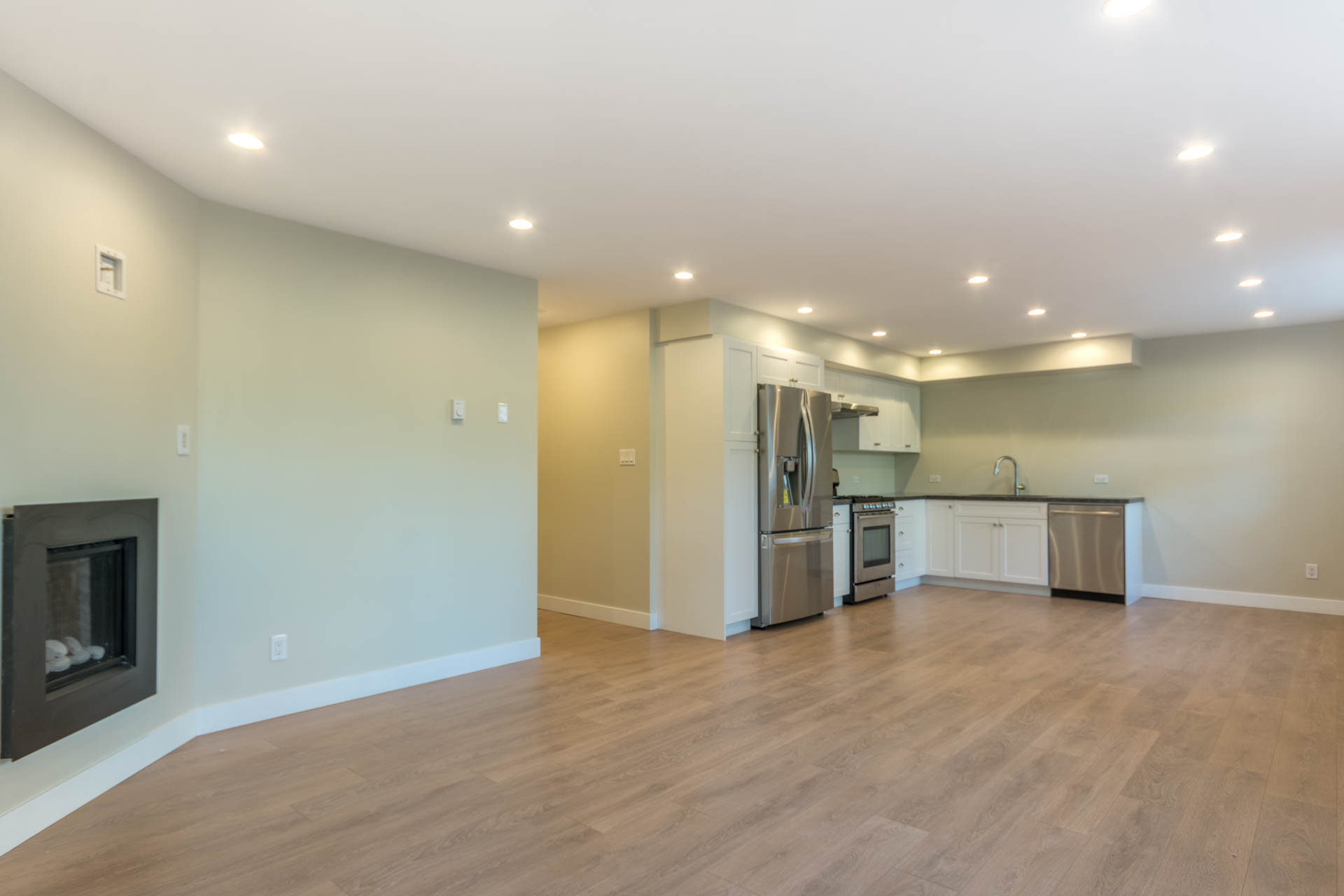 Additional photo for property listing at 1952 Runnymede Ave Victoria, ブリティッシュコロンビア,カナダ