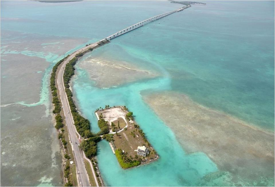 Additional photo for property listing at Island, Views, Deep Water in Islamorada  Islamorada, Florida,33036 United States