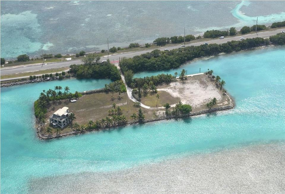 Land / Lot for Sale at Island, Views, Deep Water in Islamorada Islamorada, Florida,33036 United States