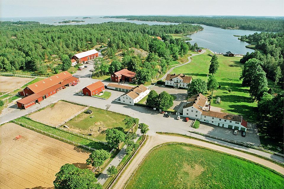 Farm / Ranch / Hunting for Sale at Horns gård Smaland, Ovriga Sverige,593 93 Sweden