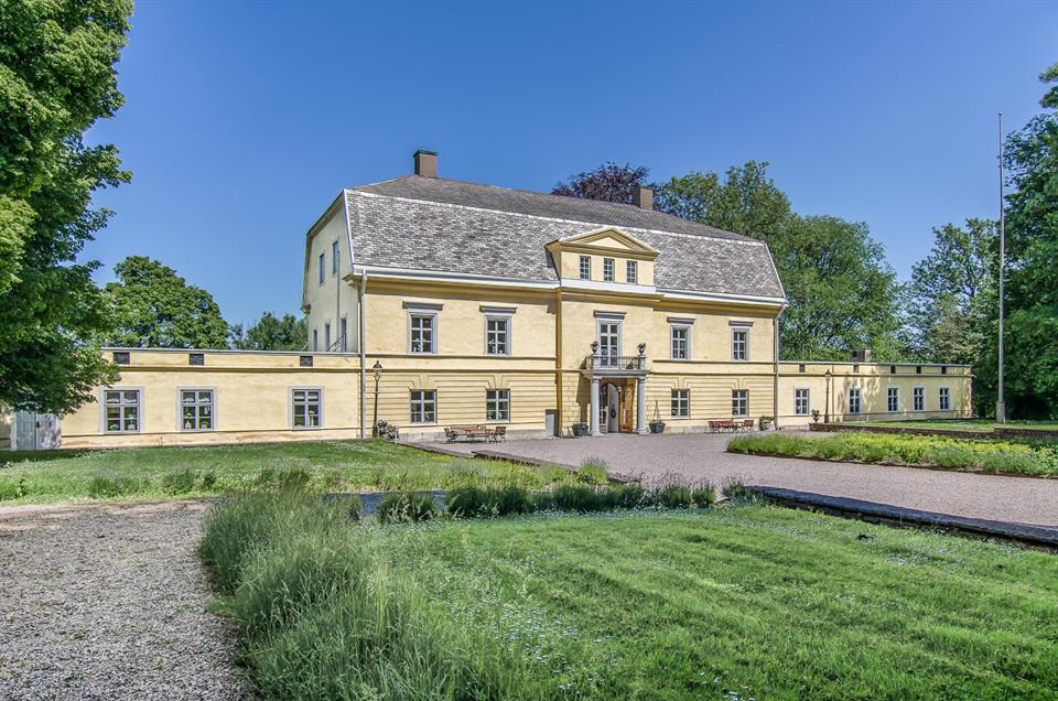 Estate for Sale at Hönsäter Castle Ovriga Sverige,53374 Sweden