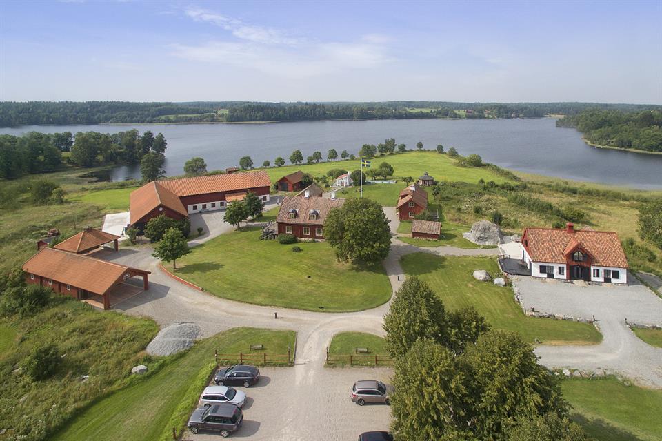 Estate for Sale at Manor in Sörmland Sormland, Sodermanland,464 96 Sweden