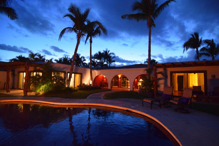 Additional photo for property listing at Casa Bishop  San Jose Del Cabo, Baja California Sur,23406 Messico