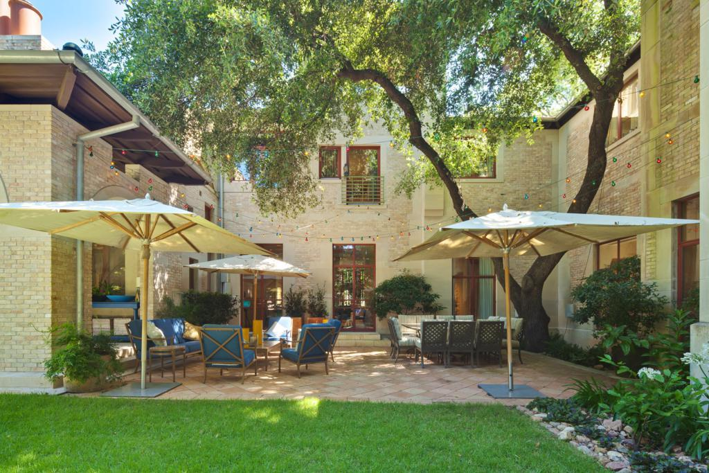 Additional photo for property listing at 1 Niles Road  Austin, Техас,78703 Соединенные Штаты