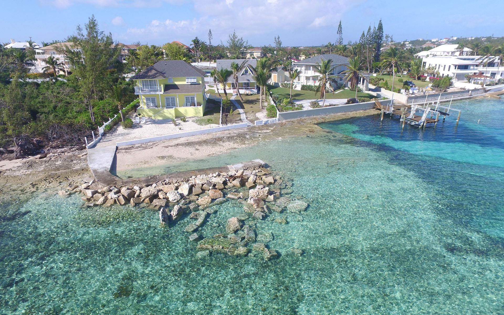 Single Family Home for Sale at Oceanfront Retreat on Eastern Road - MLS 28312 Eastern Road, Nassau And Paradise Island, Bahamas