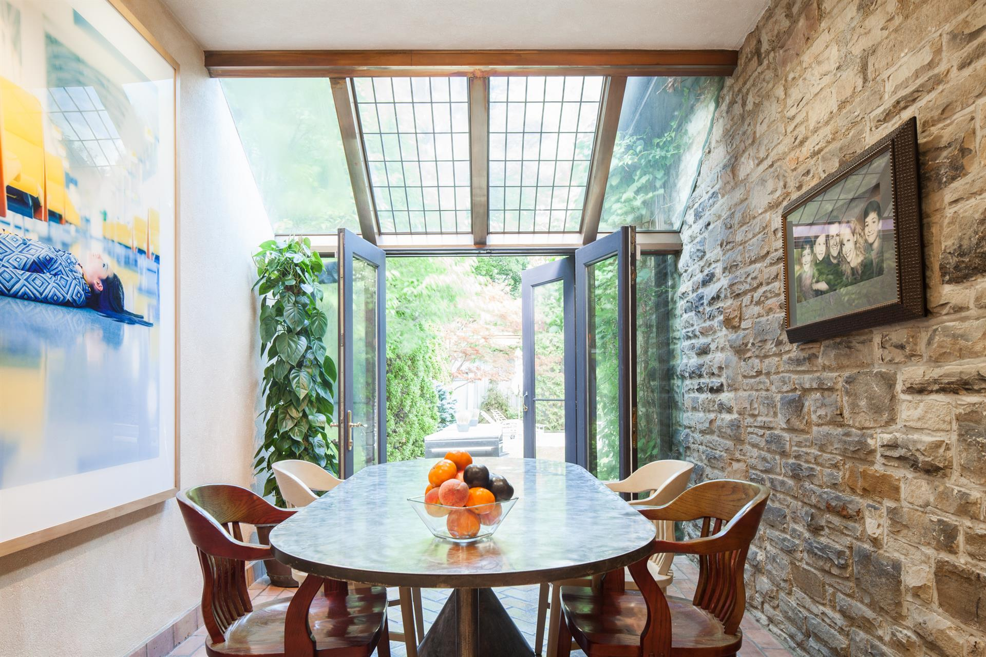 Additional photo for property listing at 249 Warren Road,Toronto  Toronto, Ontario,M4V2S7 Canada
